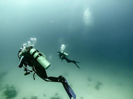 scuba divers decompression sickness treatment